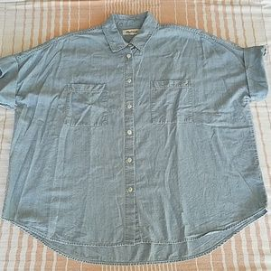 Madewell Chambray Button down Short Sleeve Shirt